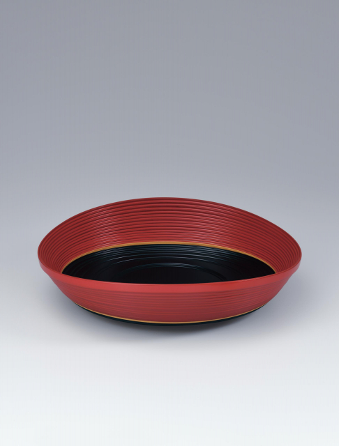 Food vessel made by bending work_Isao Onishi Artisan©Japan Kôgei Association
