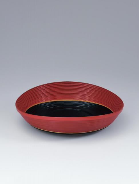 Food vessel made by bending work_Isao Onishi Artisan©Japan Kôgei Association