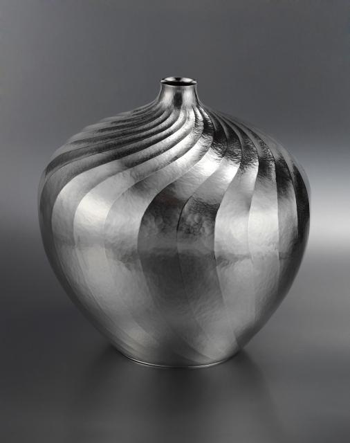 Vase Spiral_Wayne Meeten Artisan©Gavin Cottrell